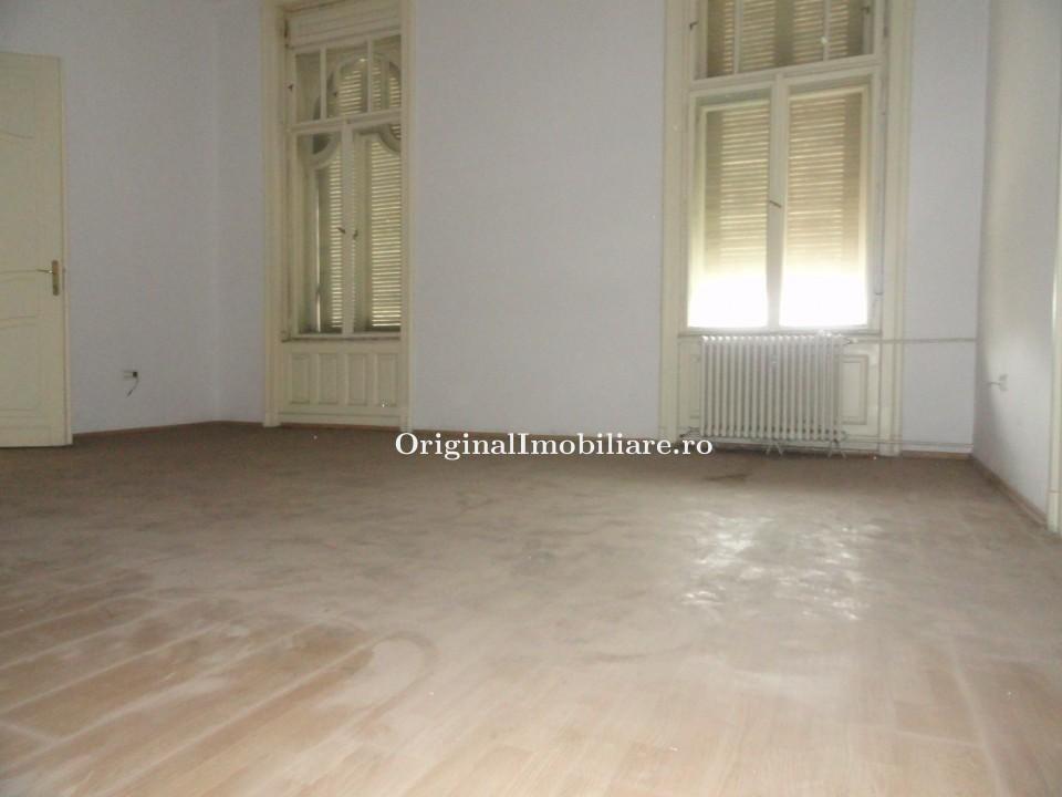 Vand apartament 5 camere in Arad,  zona ultracentrala, 219 mp