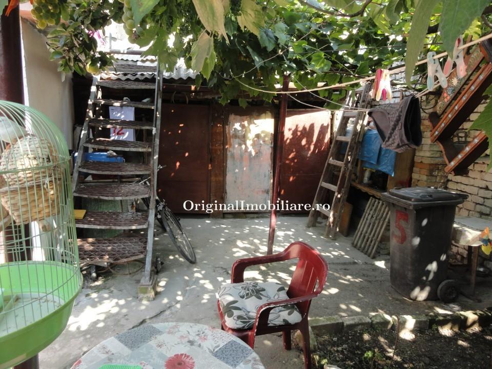 Casa 3 camere in Boul Rosu