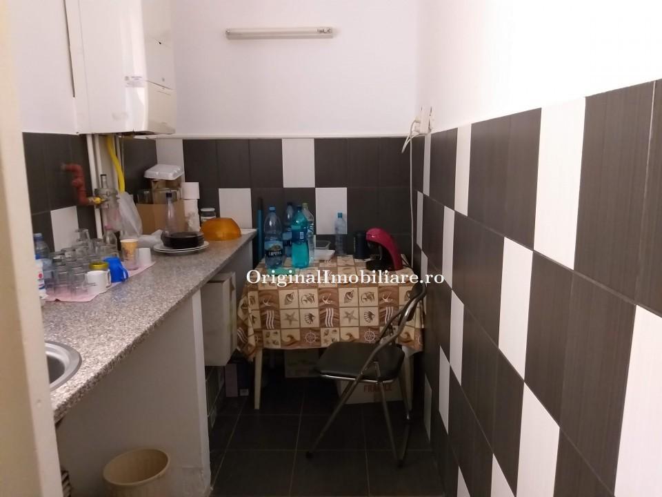 Inchiriez apartament 3 camere ultracentral pentru firme