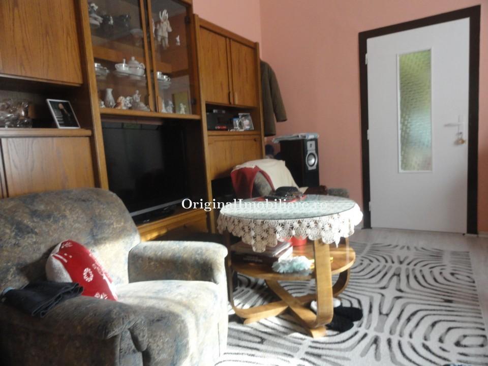 Inchiriez apartament 2 camere Ultracentral cu termoteca.