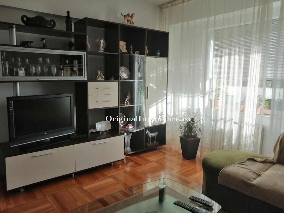 Apartament 4 Camere Polivalenta