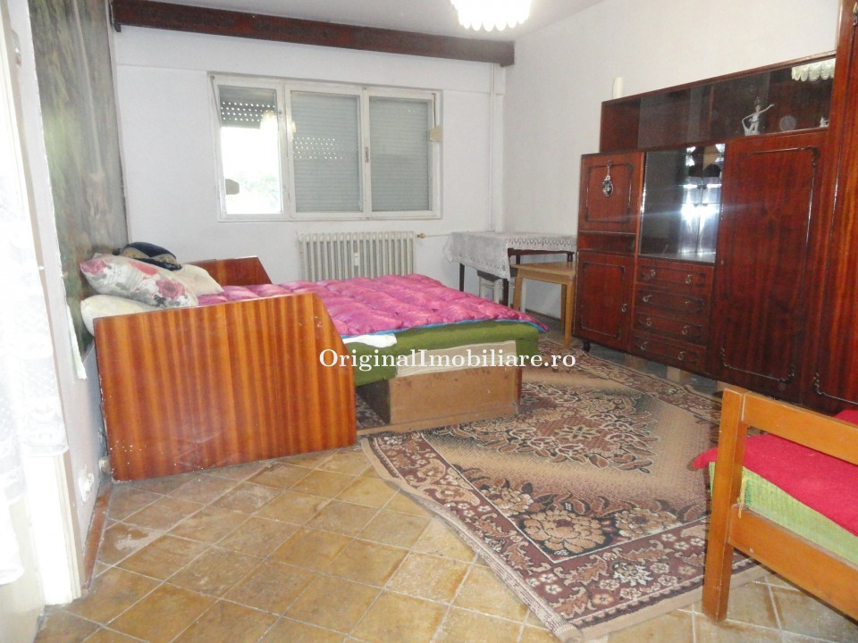 Apartament 2 camere parter inalt cu balcon